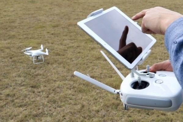 ipad controlling drone