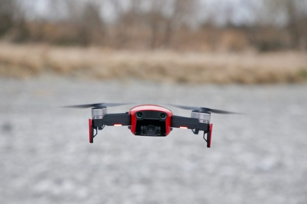 can you fly drones in strong winds?